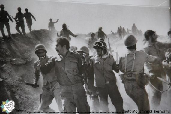 نمایشگاه عکس آزادسازی خرمشهر در حسینیه امام  (ره)